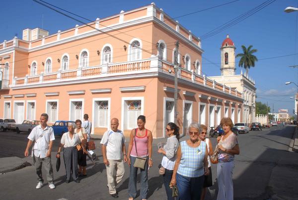 sesionara-en-cienfuegos-taller-de-ciudades-patrimoniales-cubanas