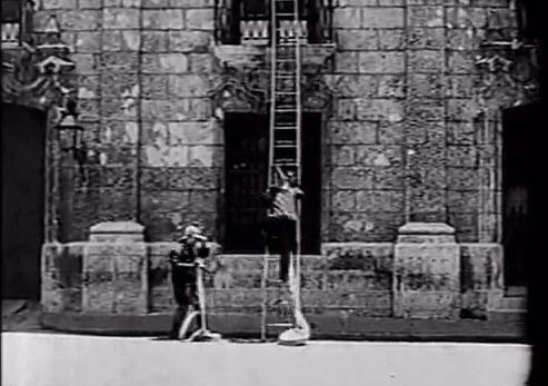 fotograma-de-simulacro-de-incendio-la-primera-pelicula-cubana-dirigida-fotografiada-revelada-editada-y-proyectada-por-gabriel-veyre