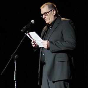palabras-de-ivan-giroud-director-del-festival-internacional-del-nuevo-cine-latinoamericano-de-la-habana-en-la-apertura-de-la-edicion-35-del-certamen-foto-gustavo-rivera