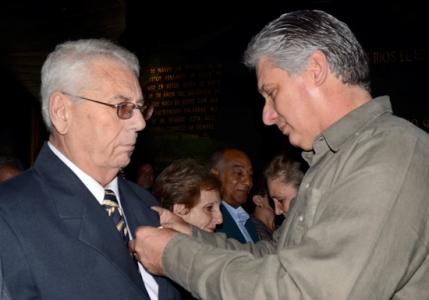 un-hommage-aux-educateurs-cubains