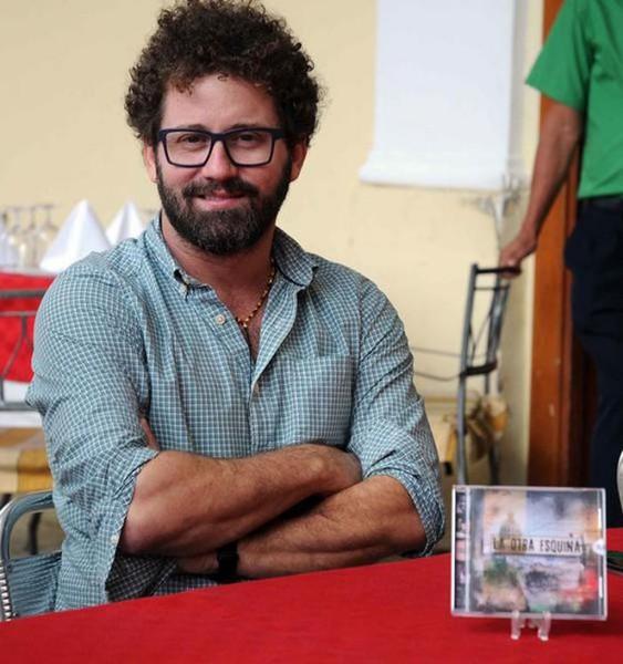 cantautor-cubano-raul-paz-se-presentara-en-el-teatro-tomas-terry