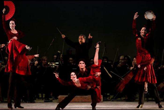 danza-final-de-el-sombrero-de-tres-picos-con-la-orquesta-sinfonica-nacional-foto-cortesia-de-la-compania-irene-rodriguez-tomada-del-periodico-granma