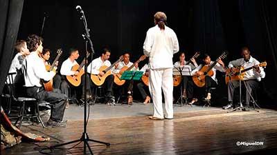 encuentro-de-orquestas-de-guitarras-honrara-al-maestro-jesus-ortega