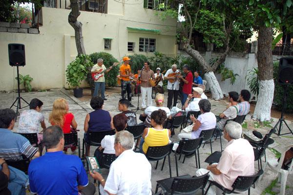celebracion-del-cumpleanos-15-del-centro-iberoamericano-de-la-decima-y-el-verso-improvisado