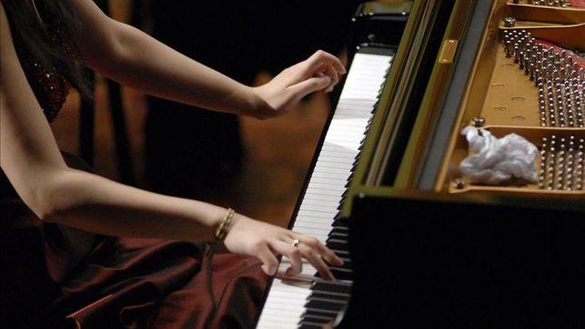 ultima-semana-de-la-orquesta-sinfonica-en-el-teatro-marti-en-la-programacion-del-iii-encuentro-de-jovenes-pianistas