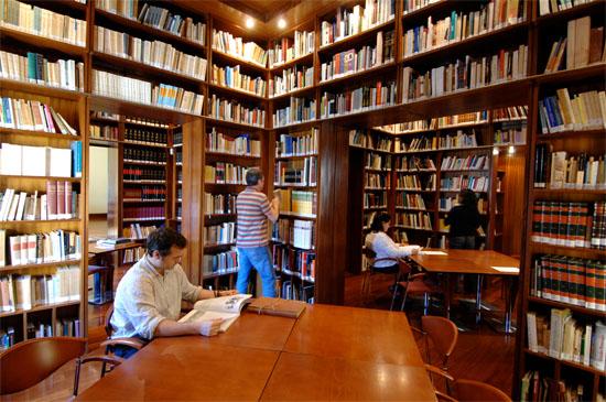 inauguran-muestra-en-homenaje-a-los-bibliotecarios-cubanos