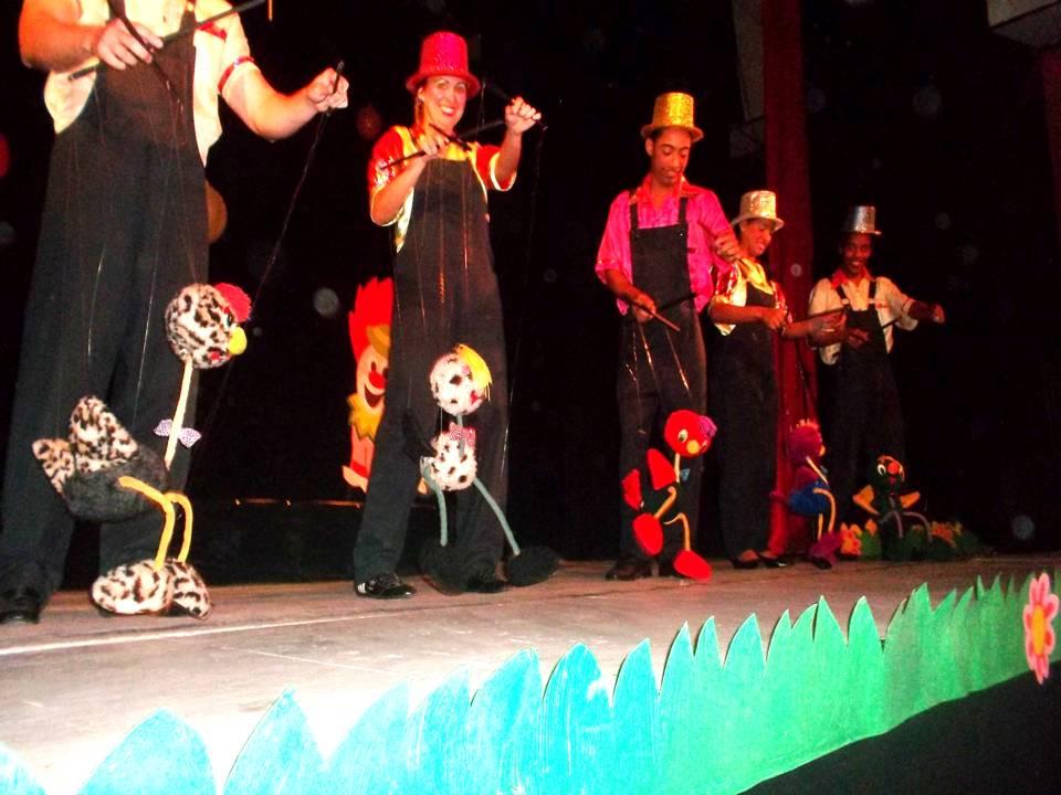 compania-de-marionetas-hilos-magicos-en-el-teatro-tomas-terry