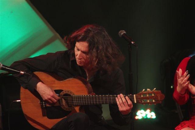 estreno-del-espectaculo-flamenco-en-verano-de-reynier-marino-y-su-grupo