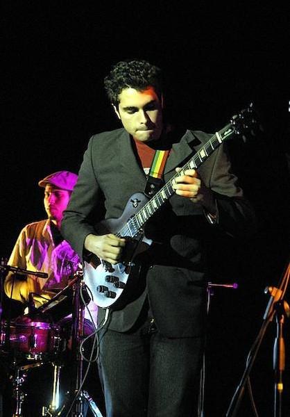 gana-joven-guitarrista-cubano-segundo-premio-en-el-festival-monteaux-guitarra-2015-en-suiza