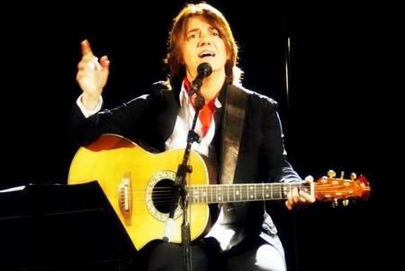 cantautora-catalana-silvia-comes-en-canto-de-todos
