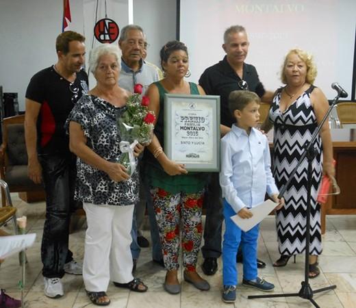 entregan-premio-familia-montalvo-2015