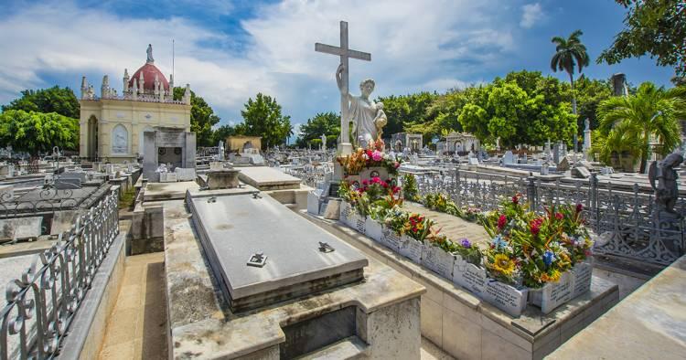 la-milagrosa-la-mas-hermosa-leyenda-del-cementerio-de-colon