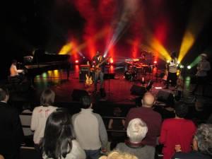 La musique de Cuba et d'Afrique conquiert le public français