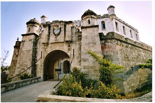 castillo-de-atares