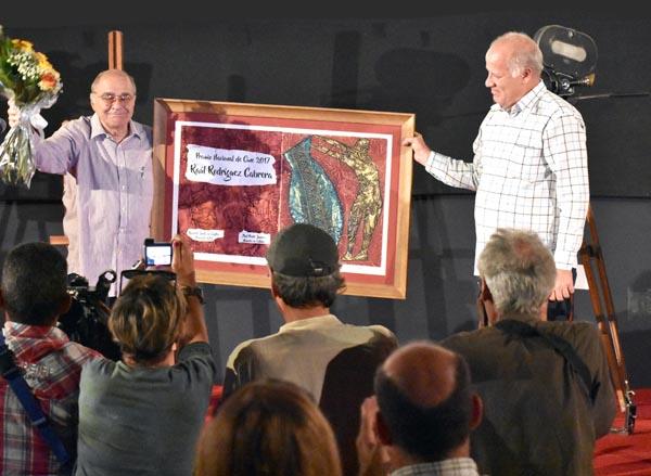 raul-rodriguez-cabrera-recibio-el-premio-nacional-de-cine-2017