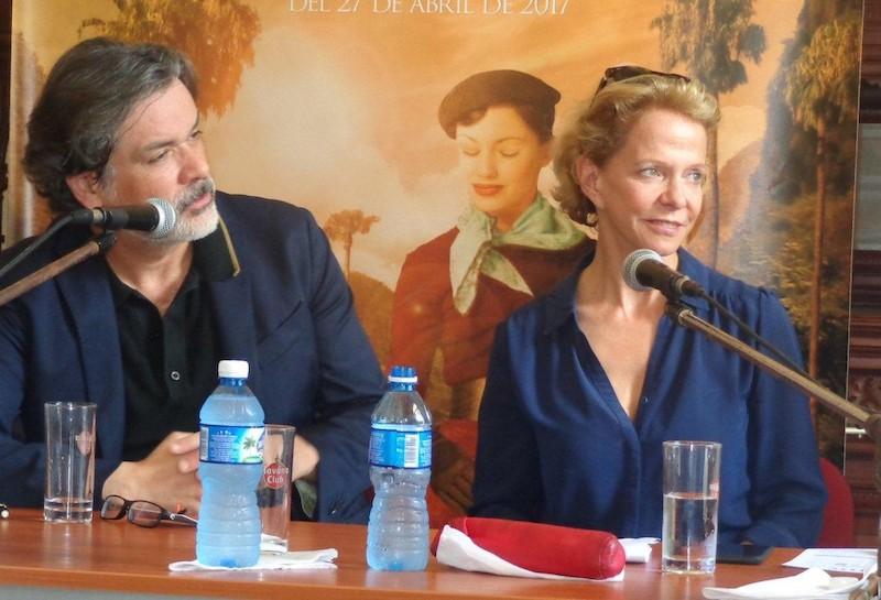 intercambia-delegacion-del-xx-festival-de-cine-frances-con-la-prensa-cultural