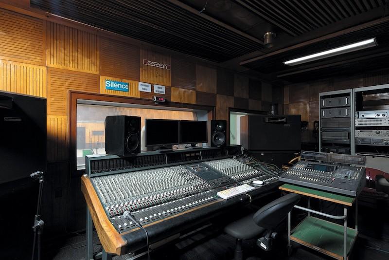 sesiona-en-la-habana-taller-de-restauracion-y-conservacion-de-archivos-musicales