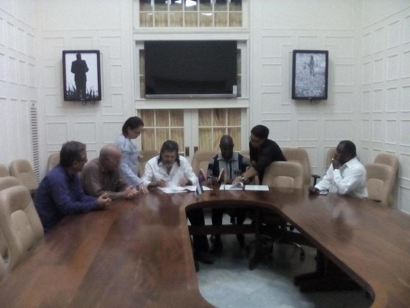 firman-programa-ejecutivo-para-el-periodo-2017-2019-entre-el-ministerio-de-cultura-de-cuba-y-el-ministerio-de-cultura-y-turismo-de-la-republica-de-mozambique