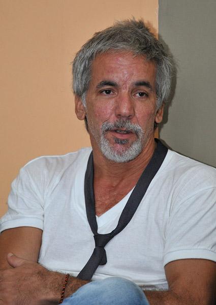 guevara-a-tiempo-guevara-nuevo-entrevista-al-trovador-karel-garcia-por-taisse-del-valle-valdes