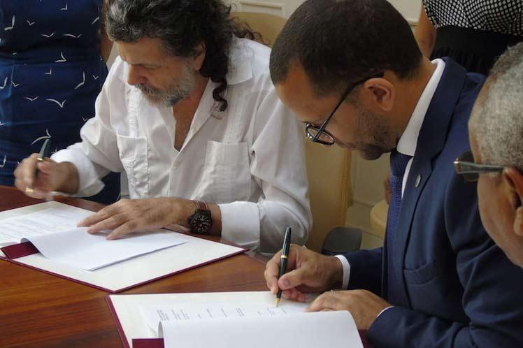 firman-protocolo-ejecutivo-de-cooperacion-cultural-entre-cabo-verde-y-cuba