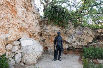 Fragua Martiana. Estatua de Martí en Canteras de San Lázaro.