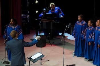Coro de la Universidad Morgan State y el cubano Coro Entrevoces.