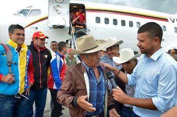 Integrantes de Corazón Llanero llegan a La Habana.
