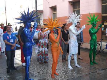 Pasacalle en XVIII Fiesta de la Cultura Iberoamericana en Holguín.
