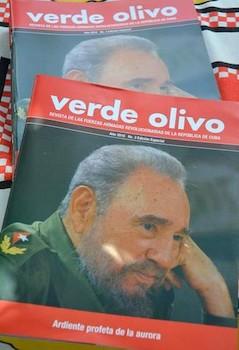 presentan-numero-extraordinario-de-la-revista-verde-olivo-dedicado-a-fidel