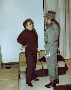 encuentro-entre-fidel-y-garcia-marquez-6-de-diciembre-de-1982-foto-estudios-revolucion