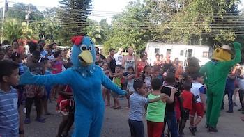 brigadas-artisticas-de-la-habana-actuan-en-zonas-afectadas-por-el-ciclon-irma