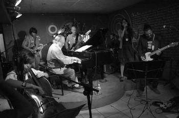 el-maestro-frank-fernandez-y-el-grupo-sweet-lizzy-project-de-concierto-en-el-submarino-amarillo