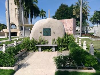 monolito-de-fidel-en-el-cementerio-patrimonial-de-santa-ifigenia-fotos-cortesia-del-autor
