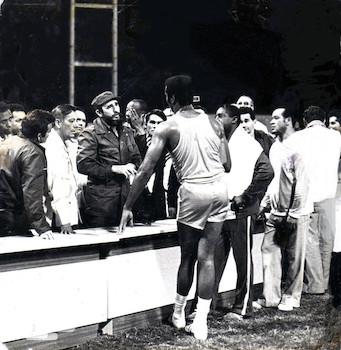 Fidel Castro, Omar Torrijos y Teófilo Stevenson en Estadio