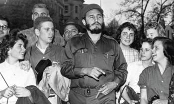 Fidel Castro con estudiantes de la Clayton High School